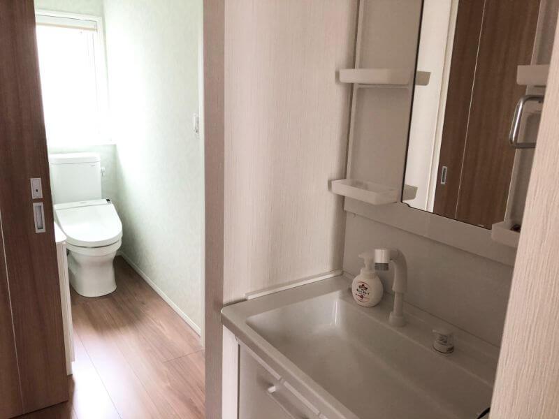 2階トイレ、洗面所