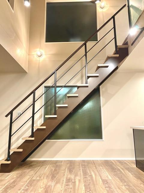 リビング階段はオシャレで開放的